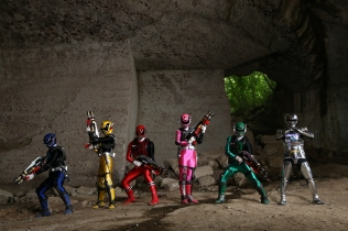 SPACE SQUAD GAVAN VS DEKARANGER