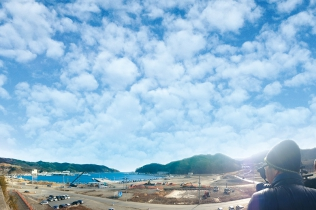 Beyond the Tsunami - Onagawa,Hearts Connected -